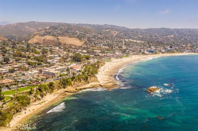 319 Cypress Drive, Laguna Beach CA: http://media.crmls.org/medias/31ef17e0-0500-4ef1-ad32-3ddc8a6fbd2d.jpg