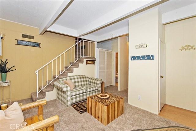 875 Brentwood Drive, Lake Arrowhead CA: http://media.crmls.org/medias/31f138b6-6ac4-45d7-9f99-55d58690cbee.jpg