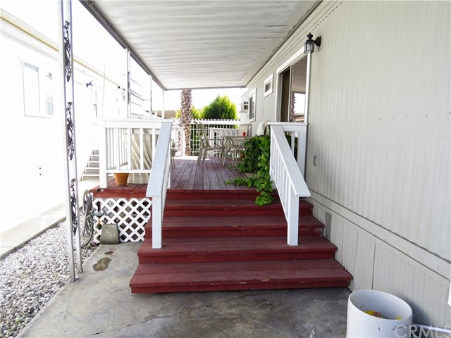43 Pine Via, Anaheim, CA 92801 Photo 3