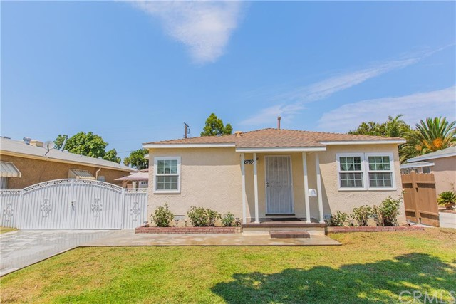 8739 Oak Street, BELLFLOWER