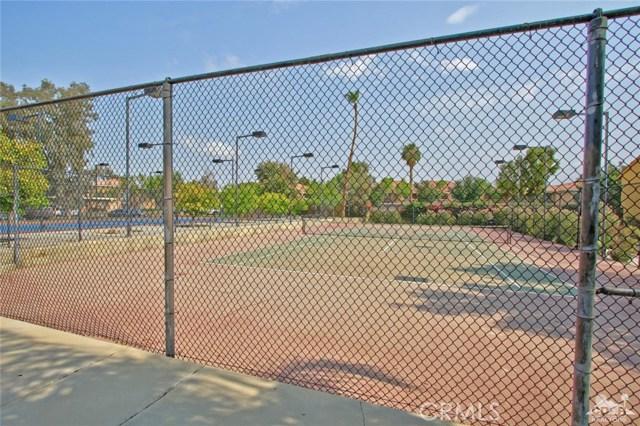 48255 Monroe Street, Indio CA: http://media.crmls.org/medias/3204d986-e296-4aee-a89d-b82437e242aa.jpg