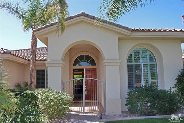5 Varsity Circle, Rancho Mirage CA: http://media.crmls.org/medias/3208032e-fa3e-442b-b34d-170ecd6adb65.jpg