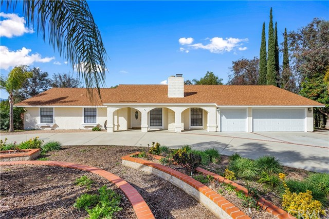 Photo of 16639 Fox Glen Rd. Road, Riverside, CA 92504