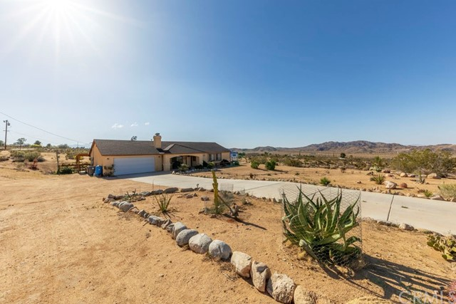 7242 Outpost Road Joshua Tree, CA 92252 - MLS #: JT18106137