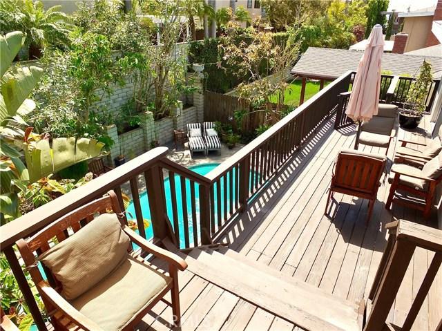 1053 Parkhill Drive, Costa Mesa CA: http://media.crmls.org/medias/323375cb-e68c-4766-87d2-a736bed49d87.jpg
