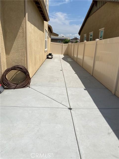 28661 Yarow Way, Moreno Valley CA: http://media.crmls.org/medias/323a4c0f-5f63-4baa-b3d1-999dea0769cd.jpg