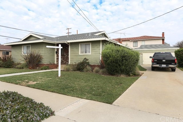 2379 230th Street, Torrance, California 90501, 3 Bedrooms Bedrooms, ,1 BathroomBathrooms,Single family residence,For Sale,230th,PW20039264
