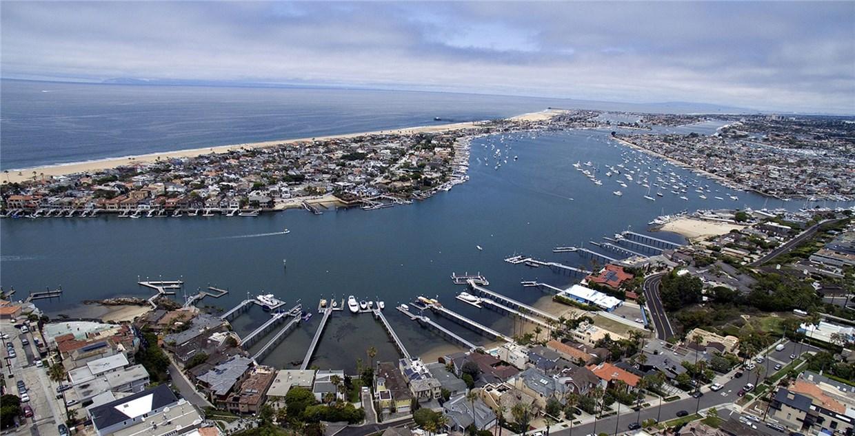 Condominium for Rent at 2316 Pacific Drive Corona Del Mar, California 92625 United States