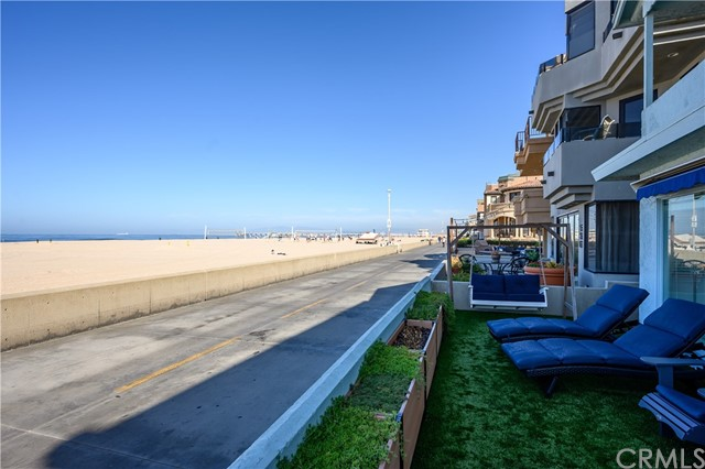 528 The Strand, Hermosa Beach, CA 90254 photo 12