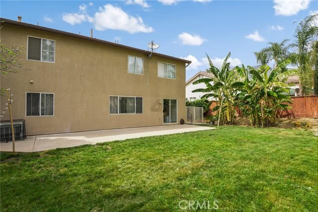 29145 Oak Creek Lane, Highland CA: http://media.crmls.org/medias/325d264b-f8b4-4db7-8dd8-deba54d9fc3d.jpg