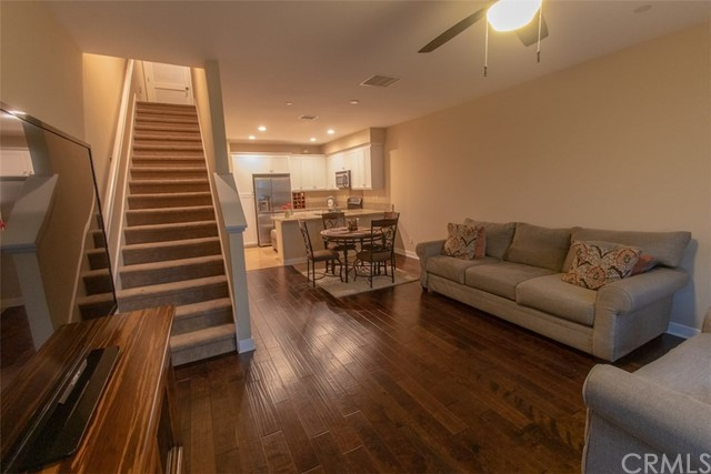 9307 Alondra Boulevard, Bellflower, California 90706, 3 Bedrooms Bedrooms, ,3 BathroomsBathrooms,Residential,For Sale,Alondra,PW19113103
