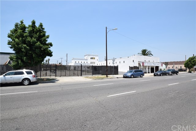 Commercial for Sale at 10513 S Vermont Avenue 10513 S Vermont Avenue Los Angeles, California 90044 United States