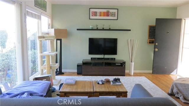 392 Ralcam Place, Costa Mesa CA: http://media.crmls.org/medias/3282b2c2-6436-493e-a48b-7d4dda4cd67d.jpg