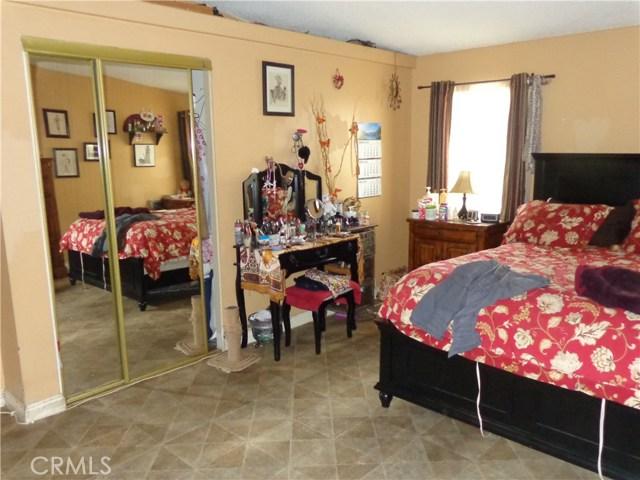 1721 E Colton Avenue, Redlands CA: http://media.crmls.org/medias/3294a92d-146d-4f98-9150-8771bbeb95c0.jpg