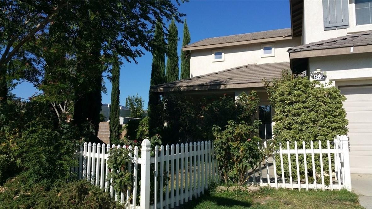 42205 57th W Street, Quartz Hill CA: http://media.crmls.org/medias/32966326-2bba-4762-8bc1-c2d90bfd4d16.jpg