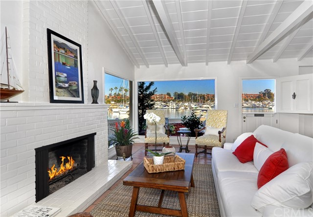307 N Bay Front Newport Beach, CA 92662 - MLS #: OC17270574
