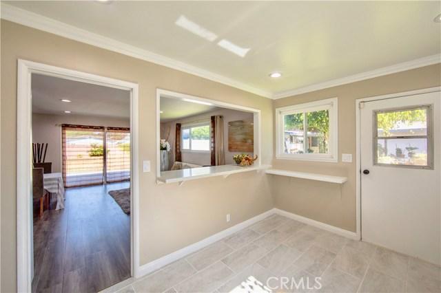 221 S Vine Avenue, Fullerton CA: http://media.crmls.org/medias/32a5309c-4e2b-4b25-a643-3b85a17025e0.jpg