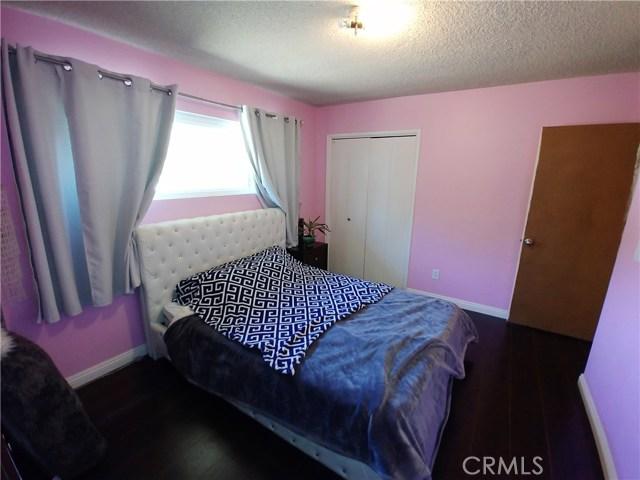 386 Deborah Court, Upland CA: http://media.crmls.org/medias/32abad1c-9c45-4803-9d87-ef0e309c2a55.jpg