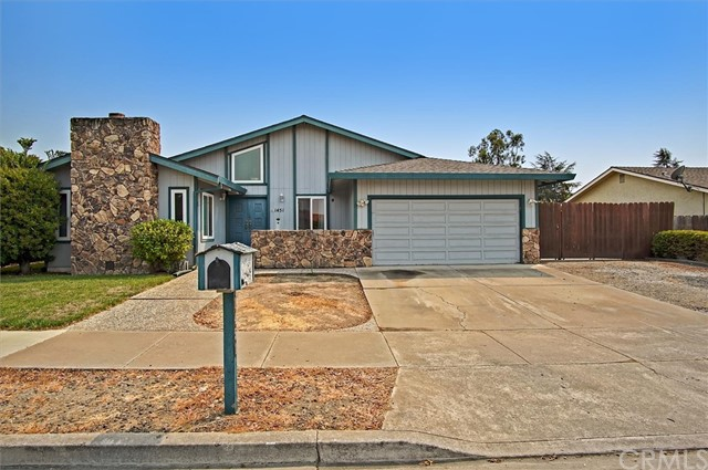 Detail Gallery Image 1 of 1 For 1451 Cembellin Dr, Hollister,  CA 95023 - 3 Beds | 2 Baths