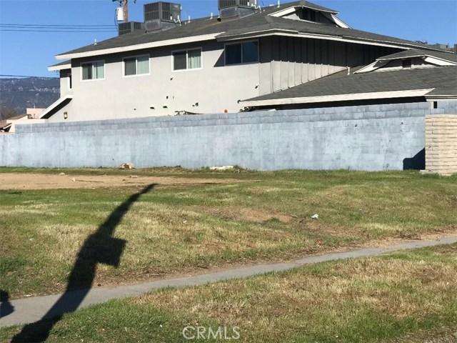222 E Jackson Street, Rialto CA: http://media.crmls.org/medias/32c35fb4-8aa5-4262-b95d-761334c76f1d.jpg