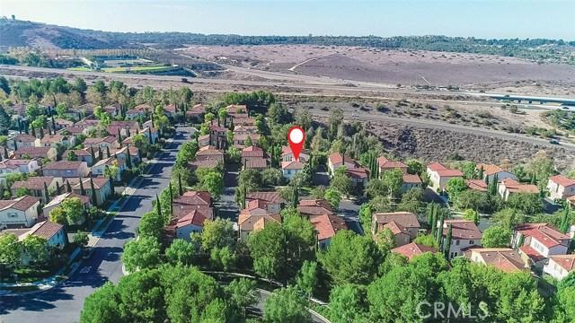 40 Gardenpath, Irvine CA: http://media.crmls.org/medias/32cd093b-34b6-4d35-996f-e52a39a950fb.jpg