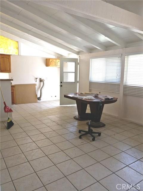 1024 N Orange Blossom Avenue, La Puente CA: http://media.crmls.org/medias/32db7a33-c4b5-4642-9738-1ceaaa2388aa.jpg