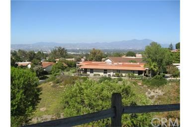 3086 Via Serena D Laguna Woods, CA 92637 is listed for sale as MLS Listing OC17125240