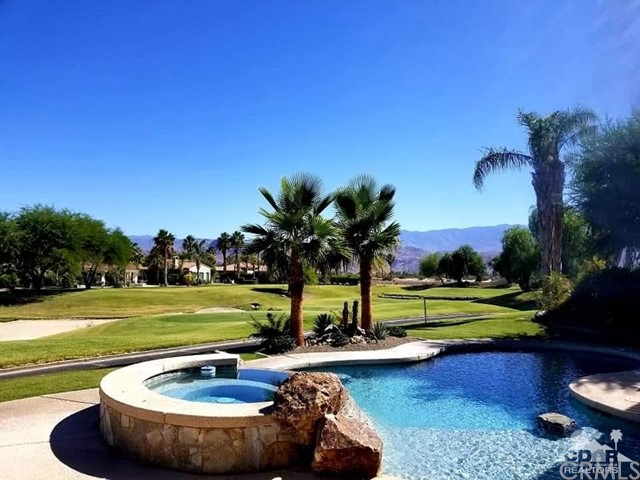 8 via Campo, Rancho Mirage CA: http://media.crmls.org/medias/32eea885-2a5c-487a-bf0d-ccdd79073f1c.jpg