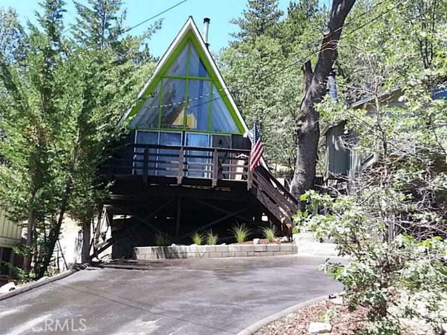 Частный односемейный дом для того Продажа на 2350 Lookout Drive 2350 Lookout Drive Arrowbear Lake, Калифорния 92382 Соединенные Штаты