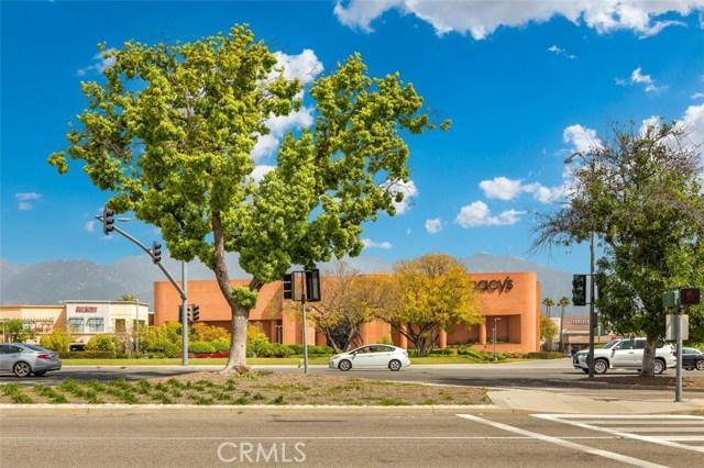 596 W Huntington Drive, Arcadia CA: http://media.crmls.org/medias/330c43c1-37fb-4eb0-b90f-2503fb0169c7.jpg