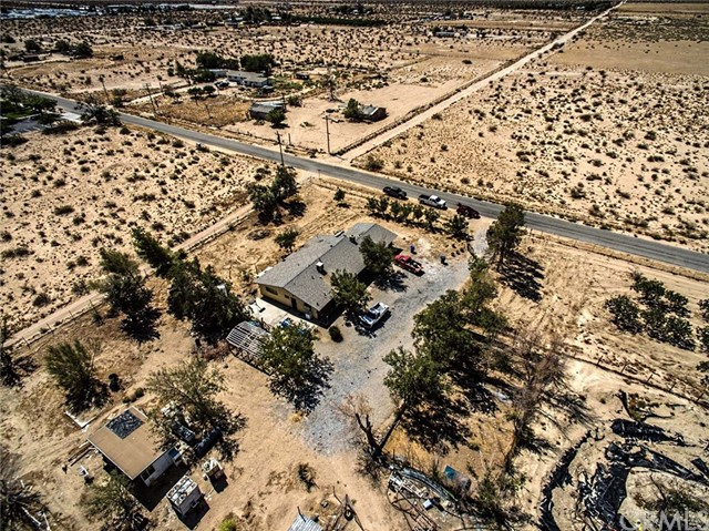 Single Family Home for Sale at 10925 Post Office Road Lucerne Valley, 92356 United States