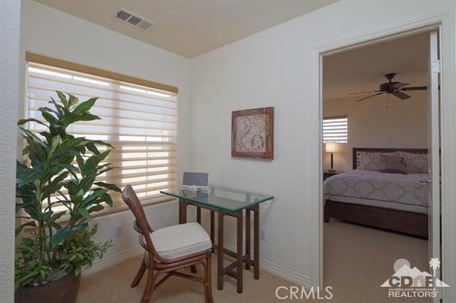 52185 Rosewood Lane, La Quinta CA: http://media.crmls.org/medias/331f3372-3804-475d-956d-1526eeb1cfd0.jpg