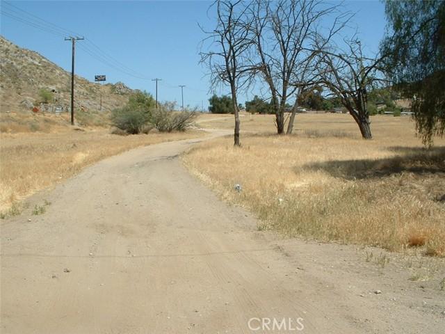 0 melba Avenue, Homeland CA: http://media.crmls.org/medias/3322be12-ef0d-4d74-8c71-4d4c3b44ca05.jpg