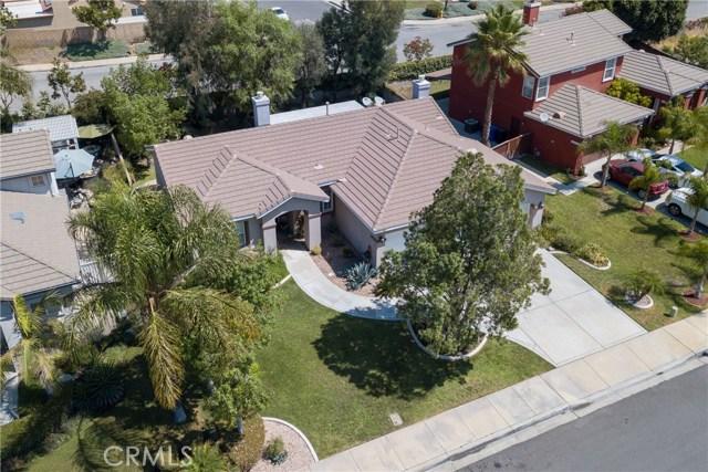 846 W Cromwell Street, Rialto CA: http://media.crmls.org/medias/332c6640-7f16-4081-88a8-683131b17d76.jpg