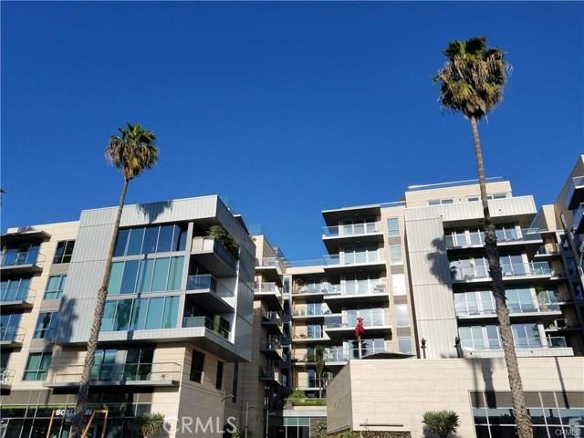 1755 Ocean Avenue, Santa Monica CA: http://media.crmls.org/medias/332d6bdd-241e-465a-9110-a54c757ef827.jpg