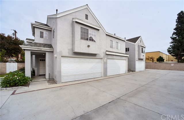 Photo of 13325 Gateway Lane, Whittier, CA 90602