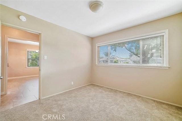 3753 Petaluma Avenue, Long Beach CA: http://media.crmls.org/medias/3332a74c-7007-4662-b856-ebed4838fe1d.jpg