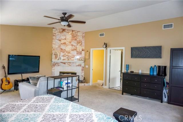 2037 N Tulare Way, Upland CA: http://media.crmls.org/medias/3346da6b-a13c-4878-8563-327afa836fd9.jpg
