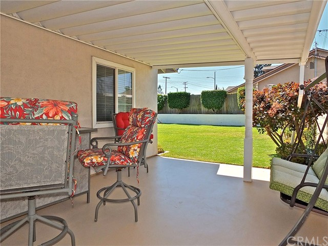 562 E Kenbridge Drive, Carson CA: http://media.crmls.org/medias/335789b0-fa61-4eb3-8316-a59e95fdecfd.jpg