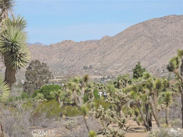 8040 Sage Avenue, Yucca Valley CA: http://media.crmls.org/medias/3367a341-fd48-45a9-a99a-273200b55a45.jpg