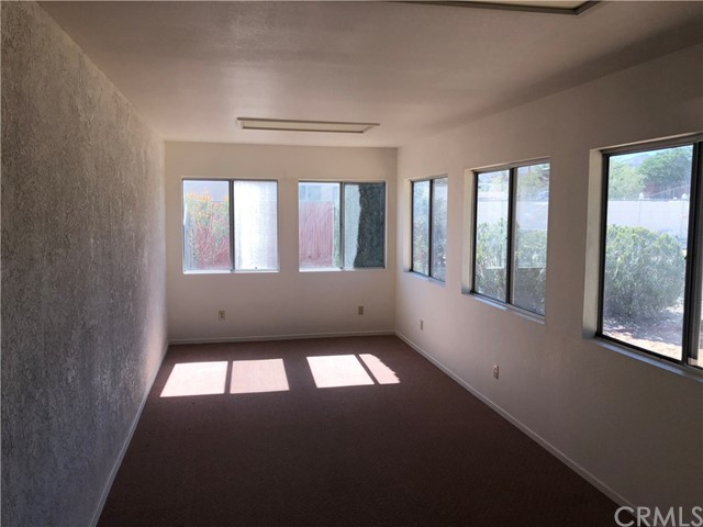 58343 Pueblo Trail, Yucca Valley CA: http://media.crmls.org/medias/337053bf-cb8b-496d-b3cb-89d634722333.jpg
