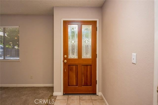 40768 Griffin Drive, Oakhurst CA: http://media.crmls.org/medias/338bee0f-815e-452a-8bcf-ea5c58813c5a.jpg