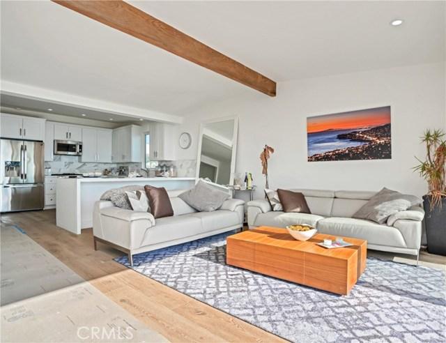 1053 Katella Street, Laguna Beach CA: http://media.crmls.org/medias/338e2a5d-b783-47d4-9754-9e423a49cdf4.jpg