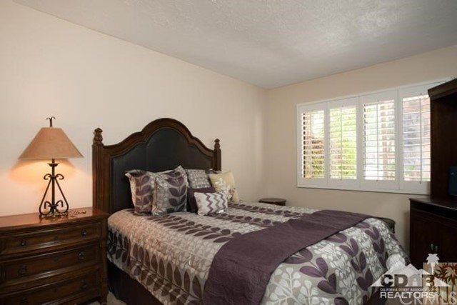 72384 Ridgecrest Lane, Palm Desert CA: http://media.crmls.org/medias/3391787a-4738-40f5-b552-29a15e566144.jpg
