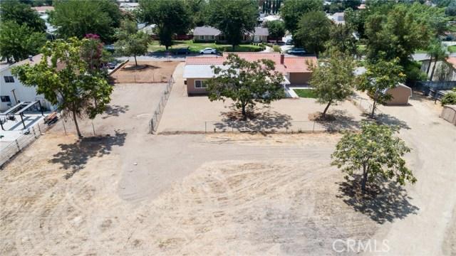 1584 Clydesdale Court, Hemet CA: http://media.crmls.org/medias/33a48e7d-bcc5-407e-84f9-eff3e8955e1e.jpg