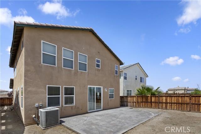 15103 Diamond Road, Victorville CA: http://media.crmls.org/medias/33ab2188-5bcf-4224-bb32-8b395c73ebaa.jpg