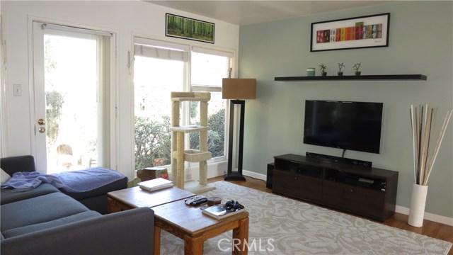 392 Ralcam Place, Costa Mesa CA: http://media.crmls.org/medias/33ae6e6a-eed4-4b4a-aa05-93d51bfe0e3d.jpg