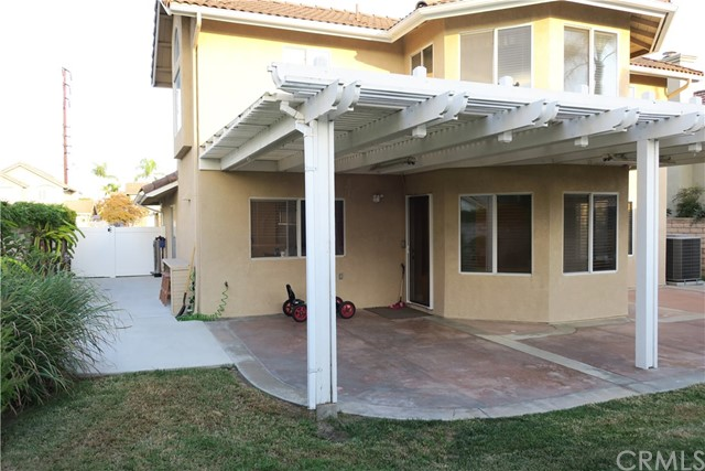 531 Gerhold Lane, Placentia CA: http://media.crmls.org/medias/33b12a40-ee9d-4e94-a866-413e9e859c27.jpg
