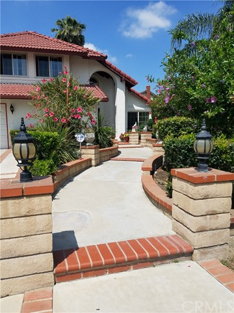 13546 Cambridge Place, Chino CA: http://media.crmls.org/medias/33b55bd2-1dc9-4736-8c1f-d4464f8230bd.jpg