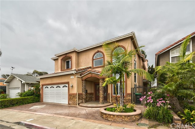 Single Family Home for Sale at 137 The Masters St Costa Mesa, California 92627 United States